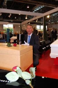 René Martin zeigt die neue Kollektion.